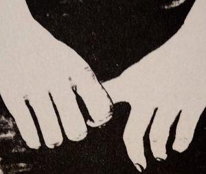 Dito stretto in una mano