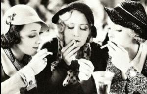 Fumatrici al bar
